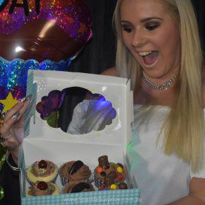 6 Chocolate Cupcakes Surprize