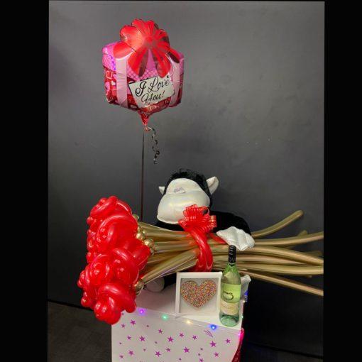 Gorilla and balloon flowers deluxe