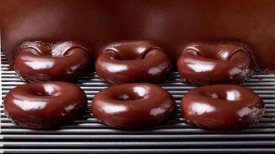 6 Chocolate glazed doughnuts